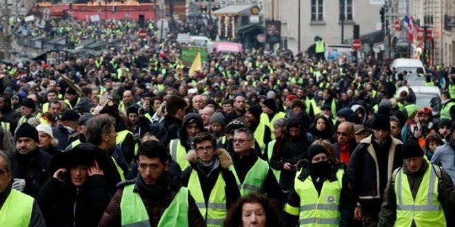 معترضان فرانسوی برای شصتوچهارمین هفته به تظاهرات پرداختند