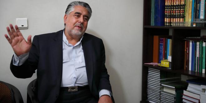 شمسایی: انقلاب، مناجاتخوانی را از پستو به رادیو بُرد