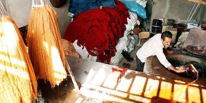 بررسی شیوه های رنگرزی سنتی خامۀ قالی