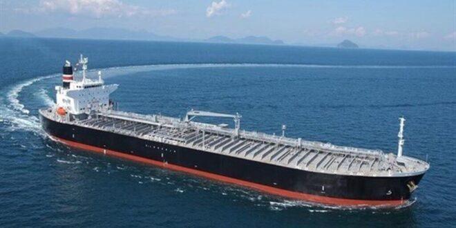 ورود کشتی ایرانی به سوریه و انتقال سوخت با تانکر به لبنان